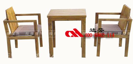 手绘咖啡桌椅子