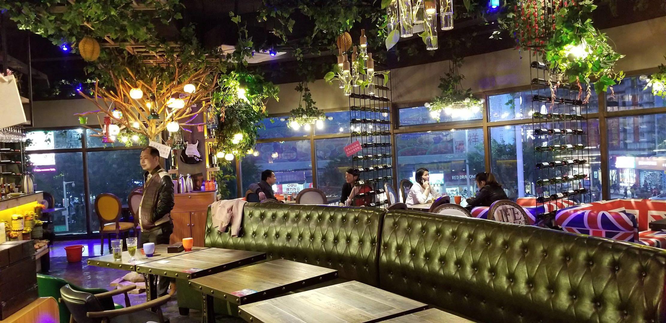 音乐餐吧装修餐厅卡座沙发桌椅标准化定制