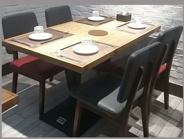 全家来牛排.餐桌椅作者: 来源图片